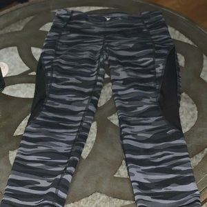 Old Navy Active Cropped